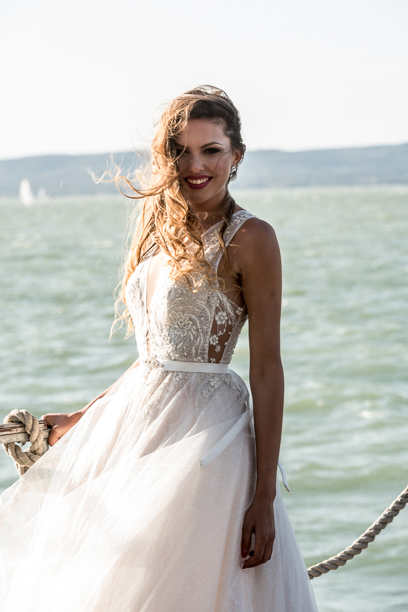 olcsó esprit menyasszonyok)